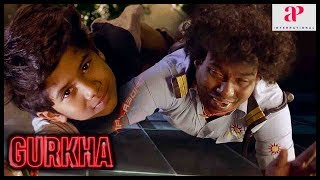 Gurkha Movie Super Scene | Yogi Babu saves the kid | Plans formed to free the hostages | Ravi Mariya