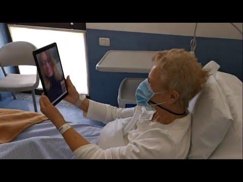 Coronavirus, a Torino la videochiamata diventa terapia: 'Così i pazienti rinascono'