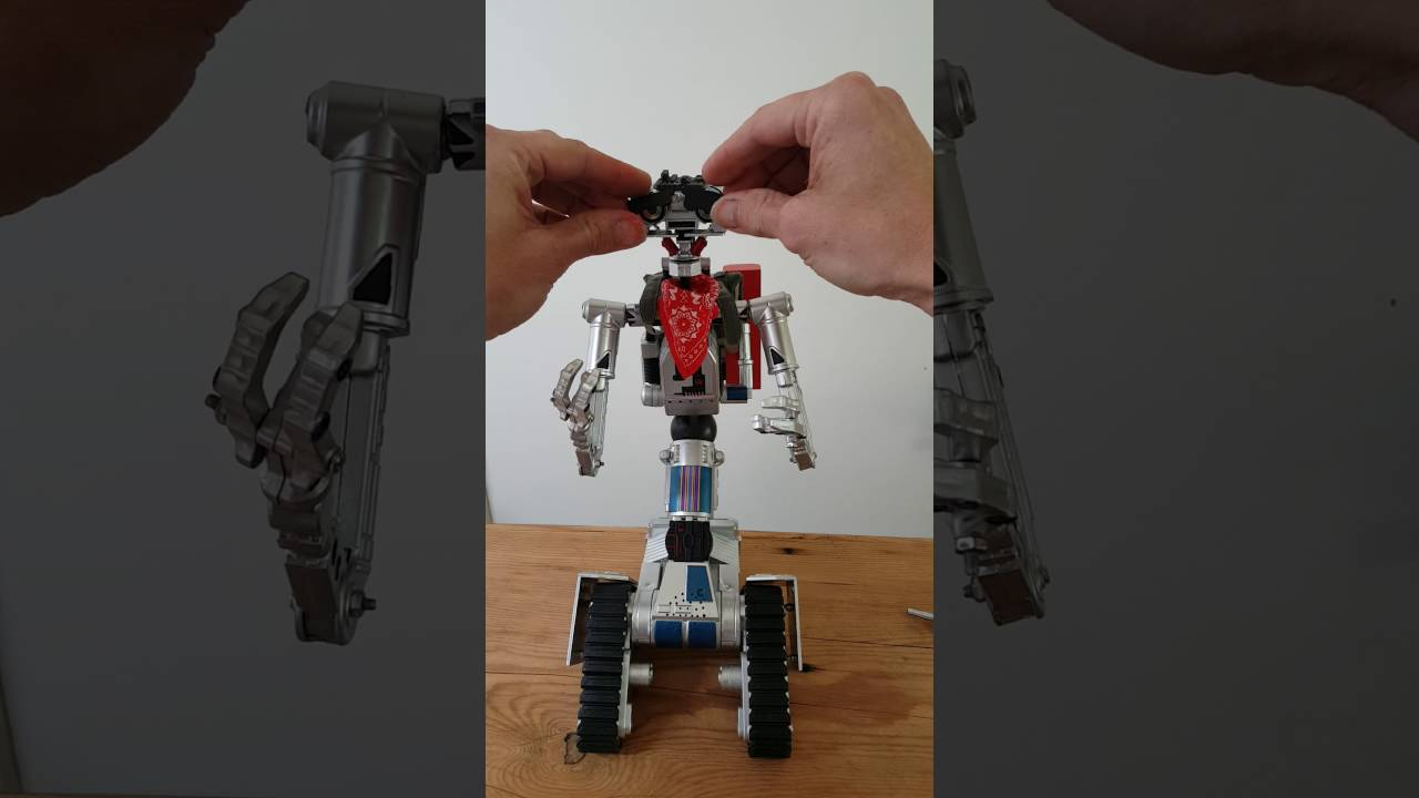 My Johnny 5 Toy From Short Circuit 2 Youtube Shortcircuit2