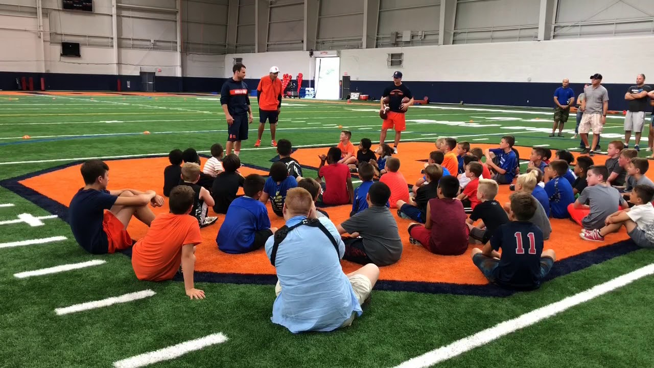 Syracuse football hosts Fort Drum kids