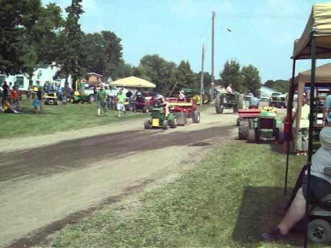 John Deere 110 Pull (Tina) Waverly, MN