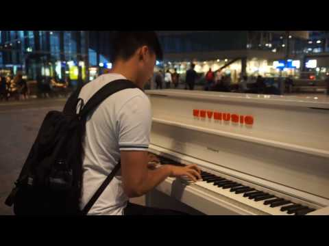 Public Piano - Rotterdam Central Station 2017