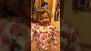 Вероніка розказує вірші)))))йопати будемо!!!!!