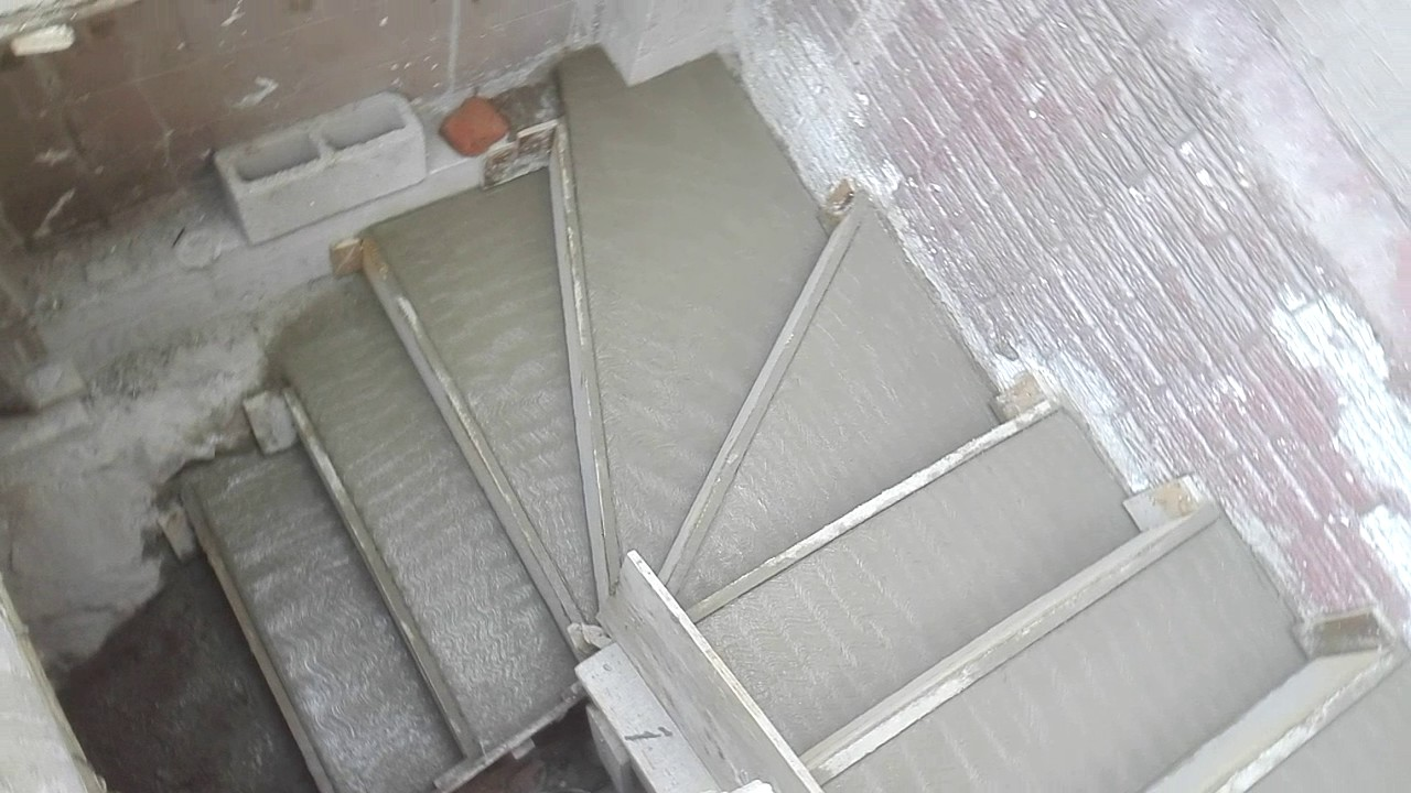 Escalera de concreto co acabado escoviyado youtube for Como hacer una escalera de concreto con descanso