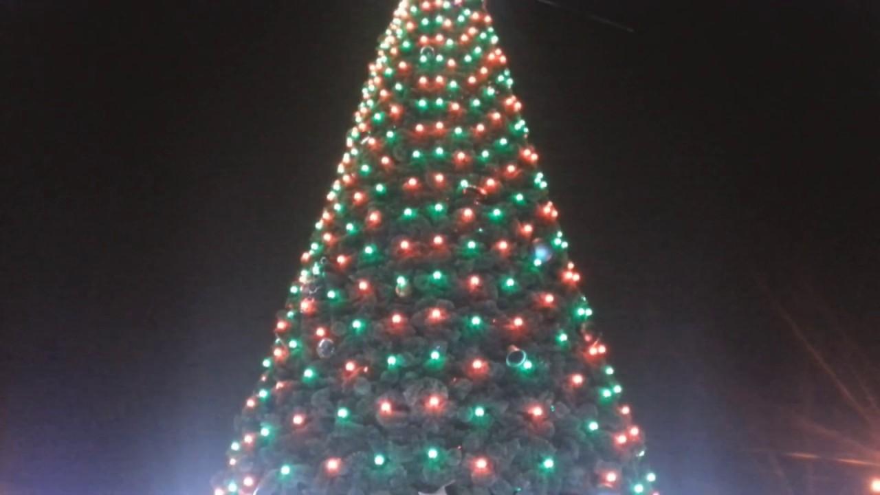 фото городской новогодней елки в г мелеуз днем шахтера