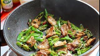 辣椒炒肉,先炒辣椒还是先炒肉?大厨教你,比饭店还好吃!