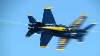 Blue Angels Knife-Edge Pass! 2012 Chicago Air Show 08.19.2012
