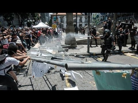 Police Clash With Anti-Austerity Protesters in Rio