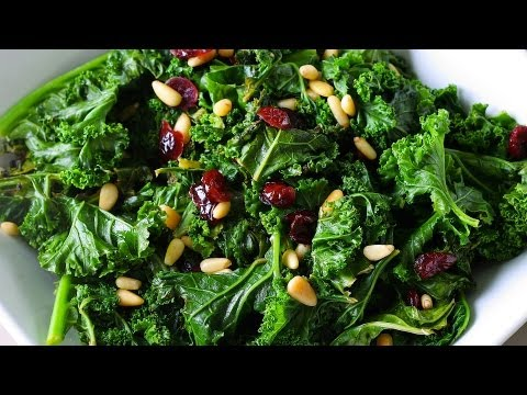 What Makes Kale a Superfood? | Superfoods Guide