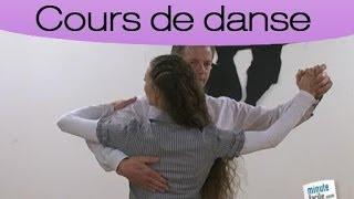 Apprendre à danser la valse viennoise : les pas de base