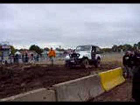 """Jeep CJ7 33""""s mud bog runs """"2"""" brockton"""