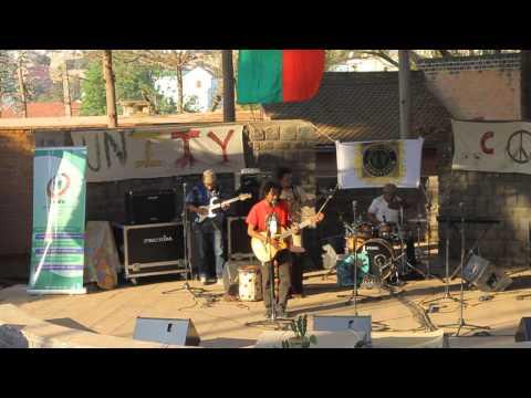 EXTRAIT-JAH ROOTS MALAGASY VIBRATION- UNITY CONCERT 2014