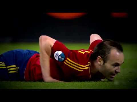 Copie de Messi, Xavi and  Iniesta   Magical Ball Controls HD