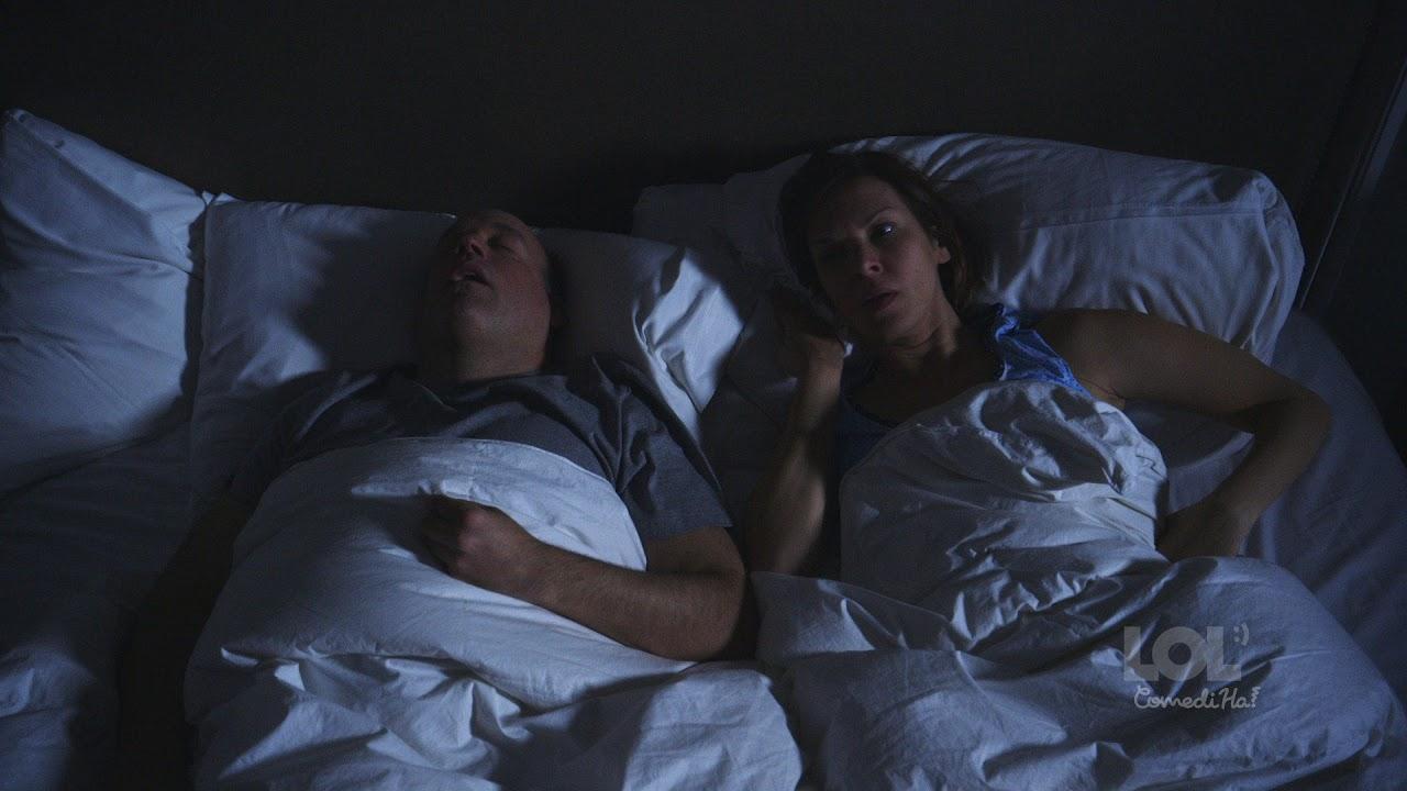 Трахнули зрелую жену пока муж спал, французские кинозвезды в порно фильмах