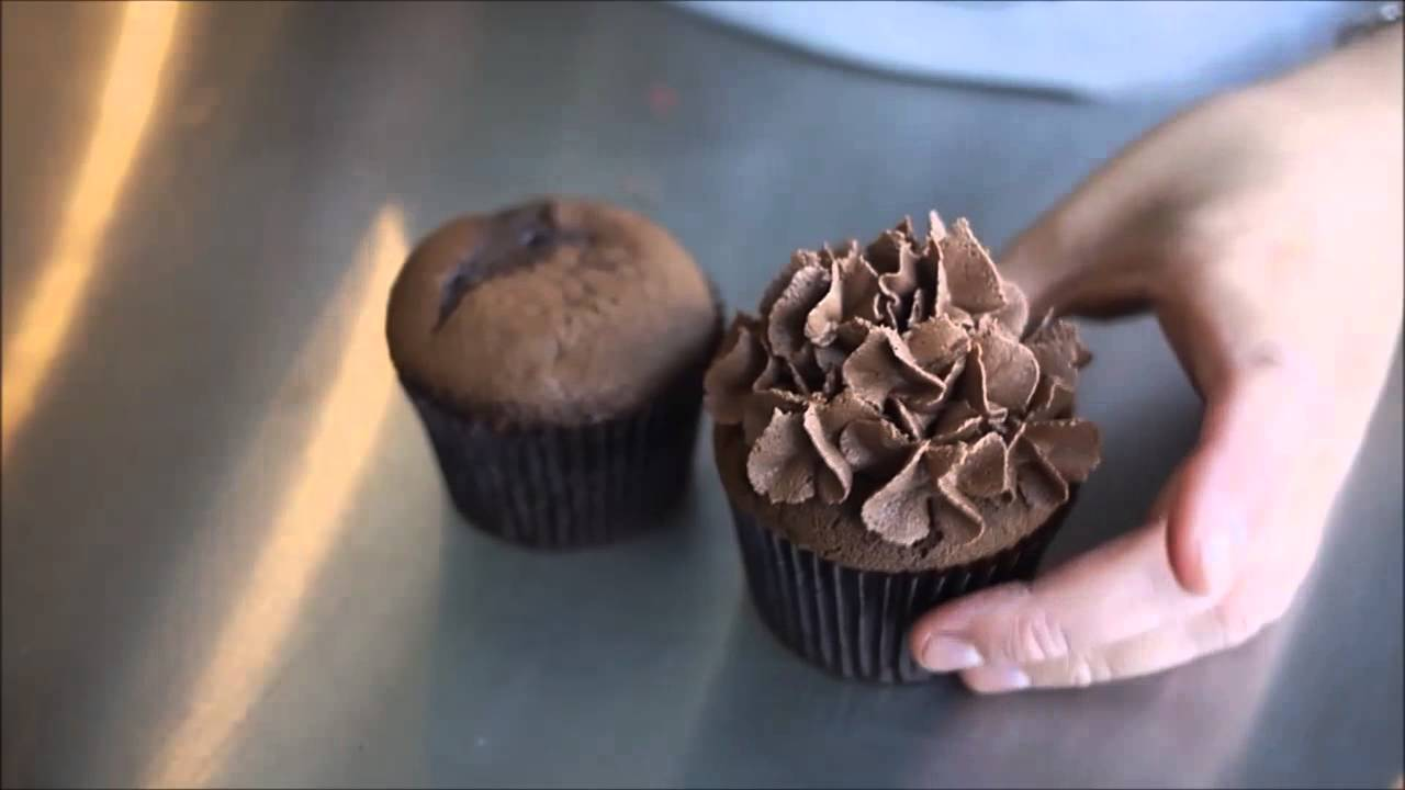 Several Frosting Techniques For Cupcakes Vlog Tutorial 2