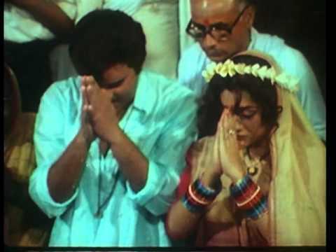 Kaahe Bhul Gail Maee Ke Dulaar Babuaa...