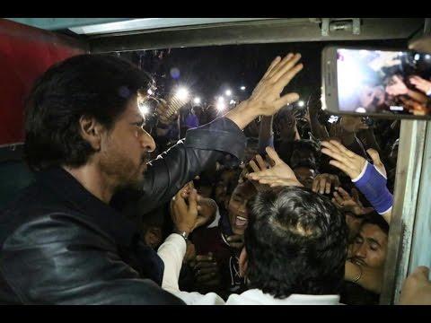 Raees By Rail || Complete Train Journey Of Shah Rukh Khan & Raees Team