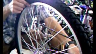 как убрать восьмерку на колесе велосипеда?(Детальное описание того как правильно убрать восьмерку на велосипедном колесе. http://bikemaster.com.ua/ - сайт БайкМа..., 2011-08-17T23:40:34.000Z)