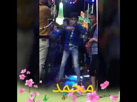 شاب يرقص علي الا ستتدج thumbnail