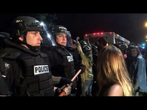 Bạo loạn ở North Carolina sau khi cảnh sát bắn chết người