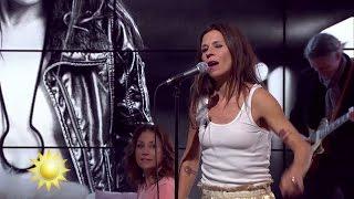 Caroline af Ugglas - Jag gör det för min egen skull (Live) - Nyhetsmorgon (TV4)