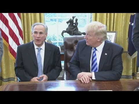 Gov. Greg Abbott meets with President Trump at White House