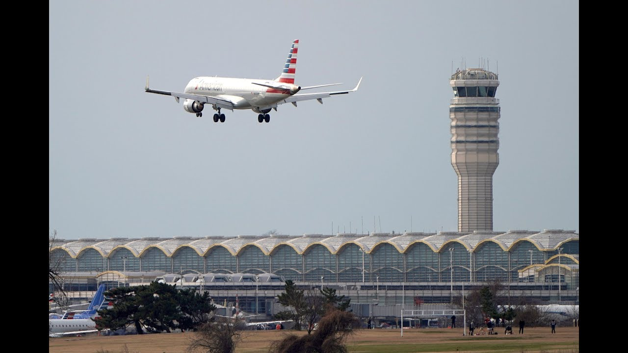 Air safety measures are 'unraveling' due to shutdown, says air traffic union