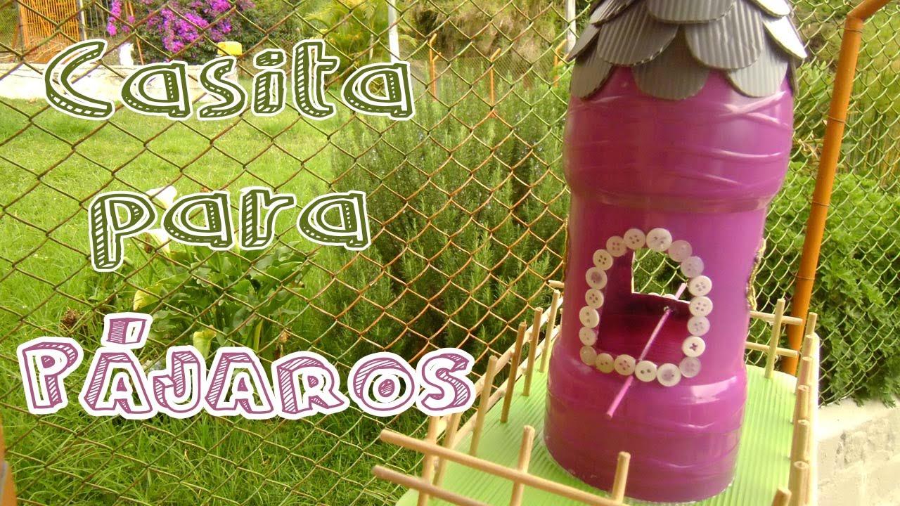 C mo hacer una casa para p jaros con botellas recicladas for Casa de plastico para jardin