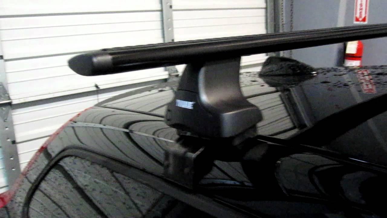 Volvo C30 With Thule Rapid Traverse Black Aeroblade Base