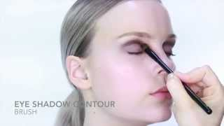 Nicci Welsh eye shadow contour brush Thumbnail
