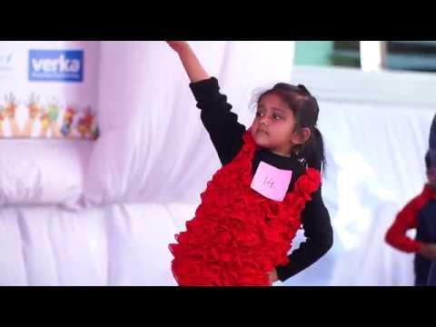 Aaj Blue Hai pani pani Dance  Ayushi