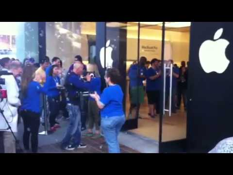 Lawrence, the first iPhone 5 buyer in Palo Alto Apple store