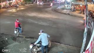 Trộm xe máy rút dao chống trả khi bị phát hiện