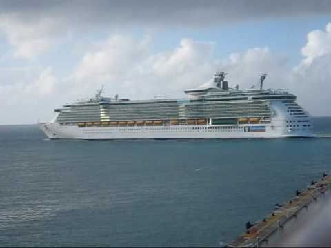Freedom of the Seas: arrival to St. Maarten