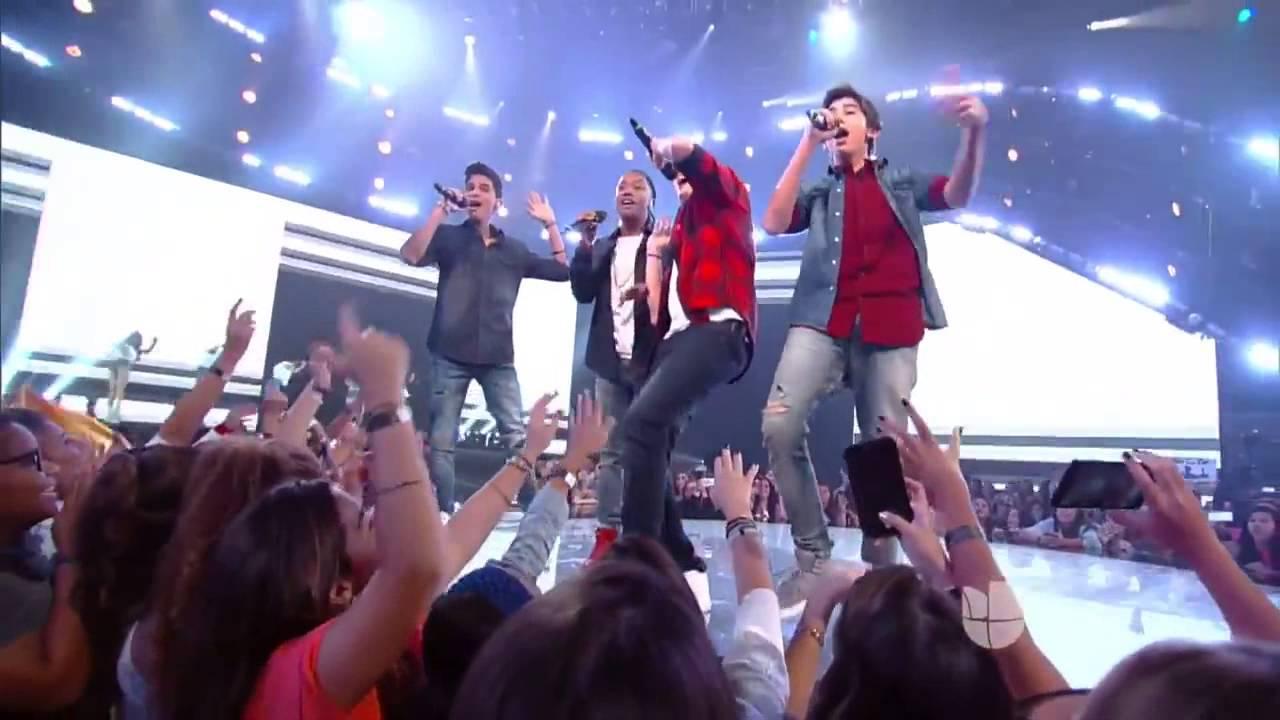 Download Band 2 Sings Me Voy Enamorando by Chino y Nacho  La Banda Live Shows 2015