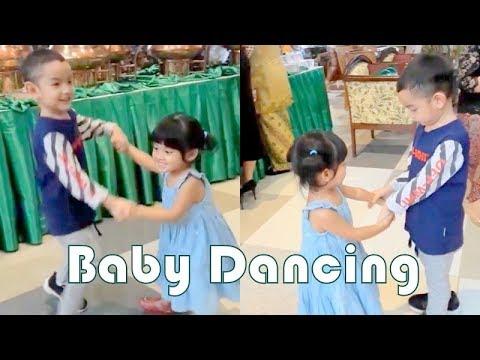 VANIA ATHABINA - Dancing sama Kak Lesa
