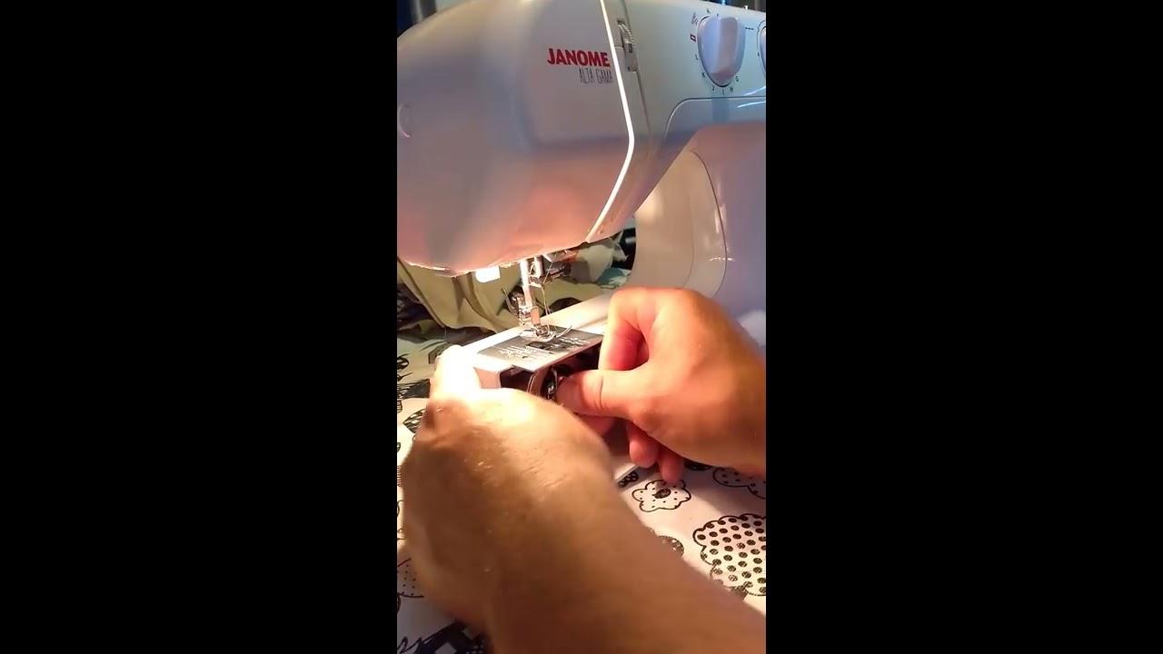 Como enhebrar el hilo en una maquina de coser Janome 2049