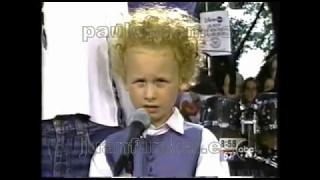 """""""Feeling Groovy"""" by Art garfunkel, his wife and his son James Garfunkel live 1997"""