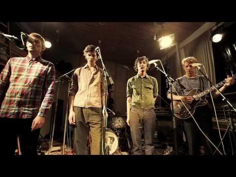 Клип Fallulah - Hold Your Horses