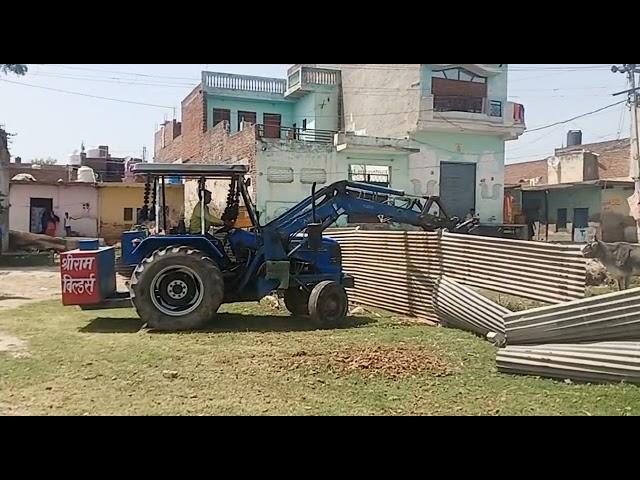 लोनी के इलायचीपुर गांव में तहसीलदार और राजस्व टीम ने पांच करोड़ की जमीन कराई कब्जामुक्त.