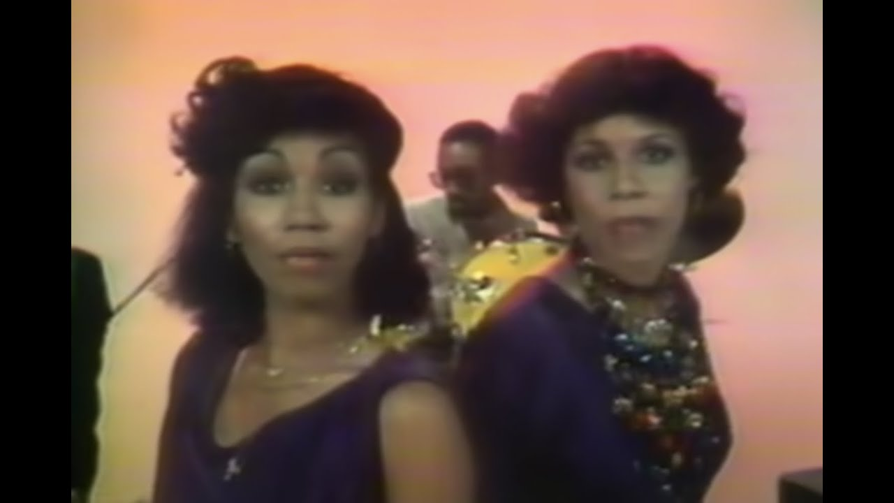 Download CHIC - Le Freak (Official Music Video)