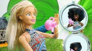 ToyClub шоу - Кукла Барби загорела - Видео для девочек