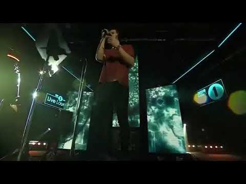 Shawn Mendes performing Psycho by Post Malone at bbcradio1