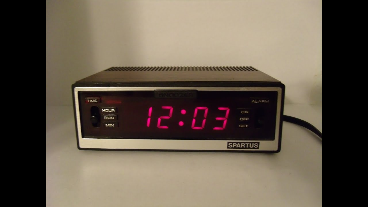 Vintage Spartus Comet Ii Digital Alarm Clock Faux Wood Grain Iconic Sound