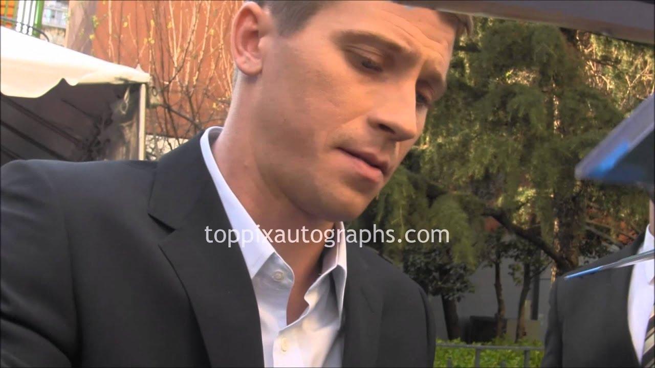 Garrett Hedlund Filmes for garrett hedlund - signing autographs at the 2015 tribeca film