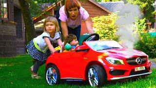 Бьянка, Маша Капуки и Адриан играют в машинки с Беби Бон - Привет, Бьянка!
