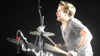 Hunter Hayes Playing Drums! Toledo, OH!