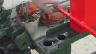 Брикеты из древесного угля.(Самодельный станок для изготовления кадильного угля,плюс измельчитель крупной фракции древесного угля..., 2014-02-09T19:35:48.000Z)