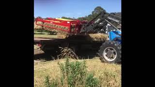 New holland 1033 bale wagon