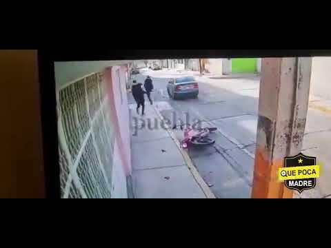 Atropellan asaltantes en Puebla